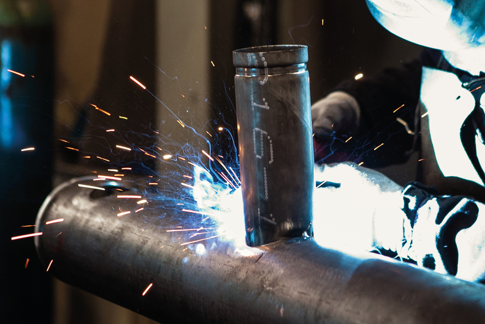 Produzione di collettori e distributori in acciaio - HTC Italia