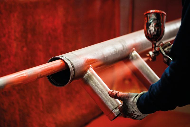 Verniciatura delle nostre tubazioni e collettori - HTC Italia
